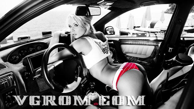 фото блондинок в машине